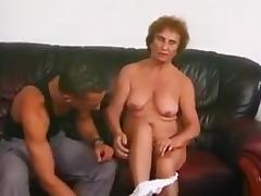 Old flabby prostitute served her loose pussy for my friend