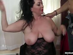 Curvy mature brunette has a great sex affair with a randy man