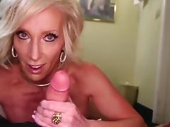 Mature hot stepmom fucks 18 y.o junior guy