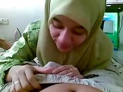 malay legal age teenager muslim wearing hijab blowjob her bf
