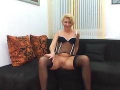 Moni clip 19