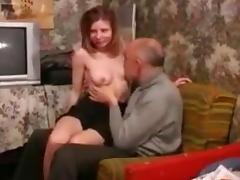 Bonne  ejac corporelle apres  baise avec son pere