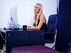 Awesome Chelsey Lanette fucks in the office
