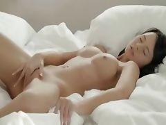 Brunette babe posing pussy in whtie