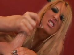 Milf gives a nice handjob and dirty talk