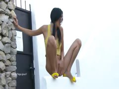 Sexy woman peeing from the wall porn video
