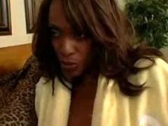horny black mothers midori