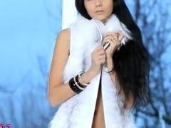 Killer darkhair babe in white heels