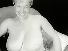 Gorgeous Busty Mom in White Corset 1950 porn video