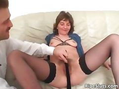 Slutty mature brunette gets hairy pussy part3