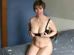 Short haired mature at porn Yeah