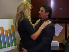 Hot Co Worker Jamie Summers Gives On Hell Of Blowjob Before Getting Fucked
