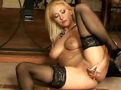 Big Breasted Blonde Carina Shay Masturbates With