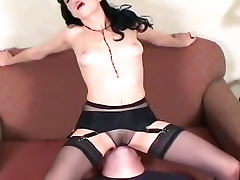Sexy dominatrix loves to smother submissive porn video