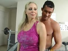 Julia Ann is a Cougar on the Hunt porn video