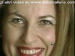 Amateur Italian MILF Masturbates With a Sex Toy in Sexy Lingerie