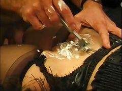 Horny in heat gets her pussy pounded