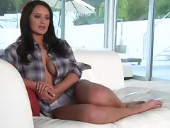 Sexy cutie Kendall Rayanne has a hot photosession and an interview