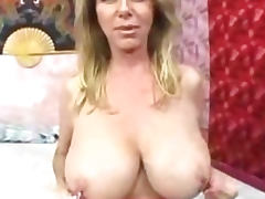 Hooters, Big Tits, Boobs, Cougar, Cum, Cumshot