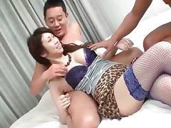 Asian whore doing blowjob