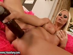 A Breath Taking Solo Scene With The Hot Sheila Grant