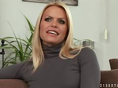 Amazing blonde porn star Wivien gives an interview