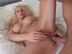 Blonde MILF slut Victoria Givens gets anal pounding