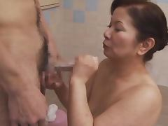 Sexy chick Chizuru Iwasaki is a mature lady who loves dicks