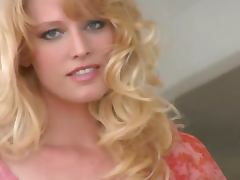 Rosaline Evans is a blond hottie with some skills