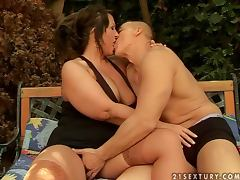 Busty BBW Sofi Getting Her Pussy Fucked Hard Outdoors