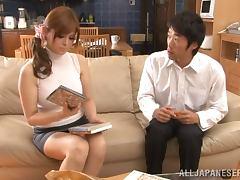 Sexy Ramu Hoshino gives skillful handjob to her man