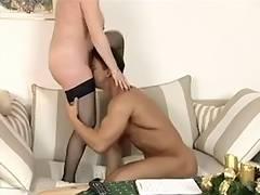 Reife Frau hemmungslos by snahbrandy
