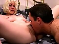 Blond acquires her love tunnel licked during the time that this babe has red period