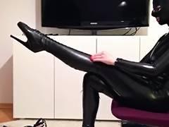 Latex Catsuit Maske Ballettstiefel Korsett