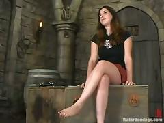 Haydee gets chained in a basement and endures some tortures