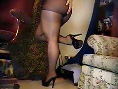 BBW On Webcam Puts On Pantyhose (No Sound)