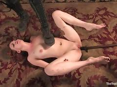 Kinky Lilla Katt works like a slave and gets toyed hard