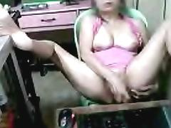 Mature Filipina uses dildo