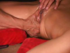 Squirt guru shows you how to make her gush