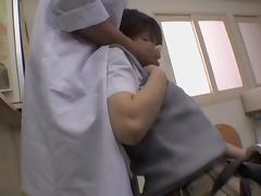 Naughty Japanese doctor gave a creampie to his patient porn video