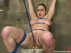 Mallory Knots gets a sudden orgasm while being tortured in BDSM clip