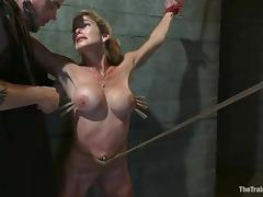 Felony gets multiple orgasms while being tortured in a cellar