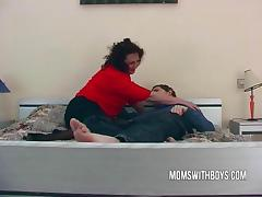 Big dirty milf Lures a Young lad Into Bed porn video