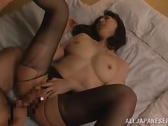 Hitomi Oohashi the Asian MILF rides a dick excitedly