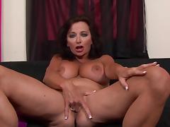 Ciara Blie shows her very big boobies