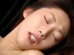 Jpanese Milf gets fucked at Home -unsencored-
