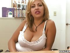 Irresistibly hot senora vixen Jazmyn has porn video