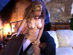 Luxury dark chick shakes her ass, instantly he bangs her