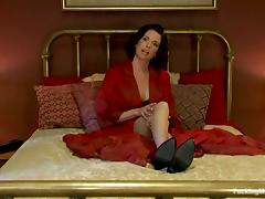 Wonderful brunette siren Veronica Avluv uses some devices