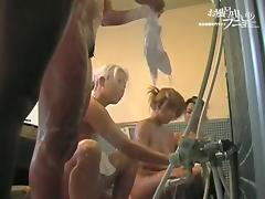 Asian amateurs spreading pussies on shower voyeur cam dvd 03185 porn video